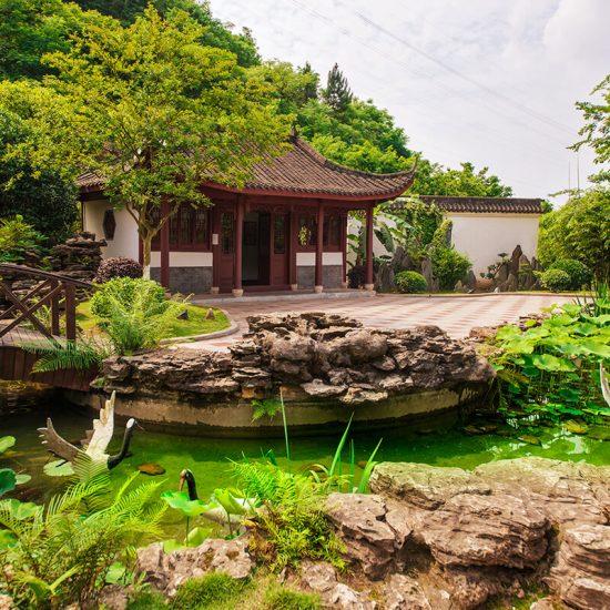 lago templo chino verde